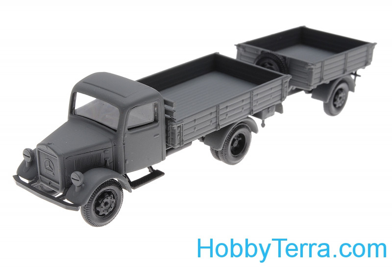 1:87 Mercedes Benz 3000 with trailer