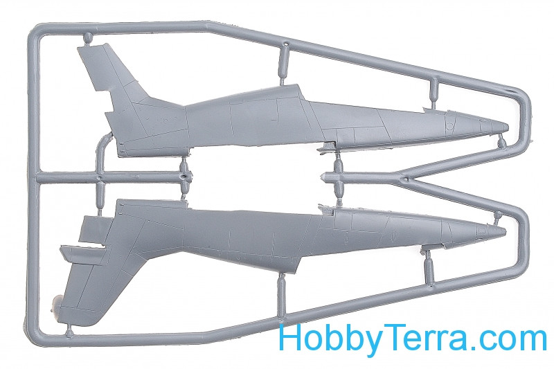 Amodel 1//72 MiG-AT # 7239