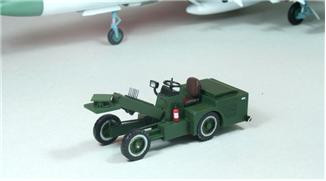 DreamModel  Bomb loader in PLA Air Force, resin+pe