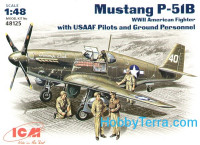 Mustang P-51B WWII American fighter with USAAF Pilots and Ground Personnel