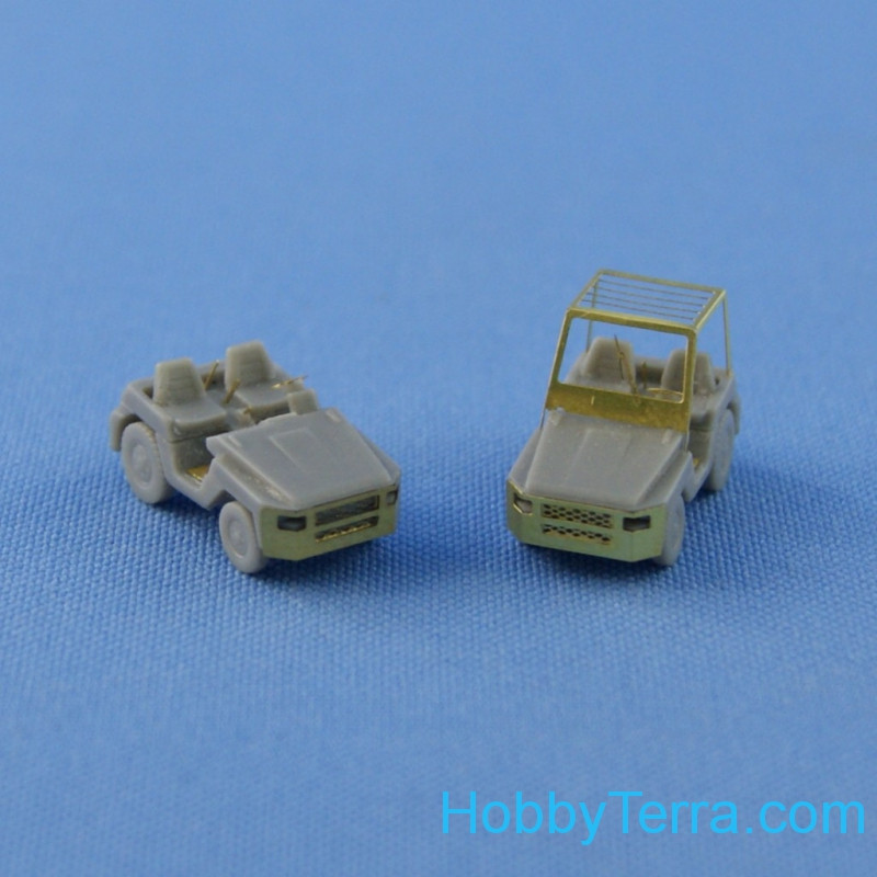 Northstar Models  144003 TD 25 - airport tractor (2 pcs. In a set)